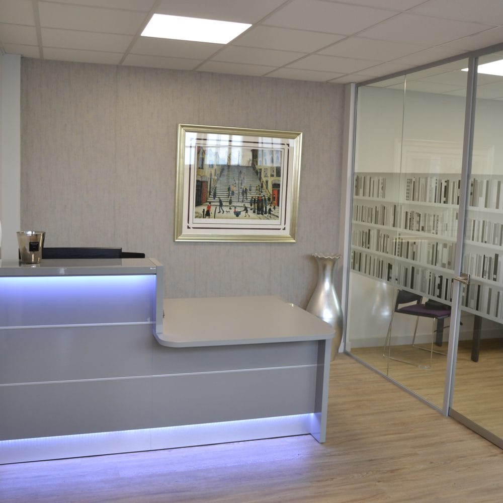 Lynn Murray & Co Solicitors – Frameless Glass Partitioning