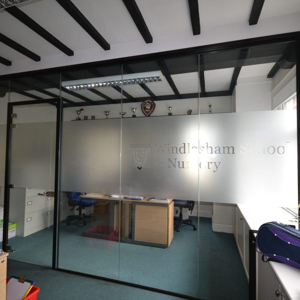 Windlesham School and Nursery – Frameless Glass Partitioning