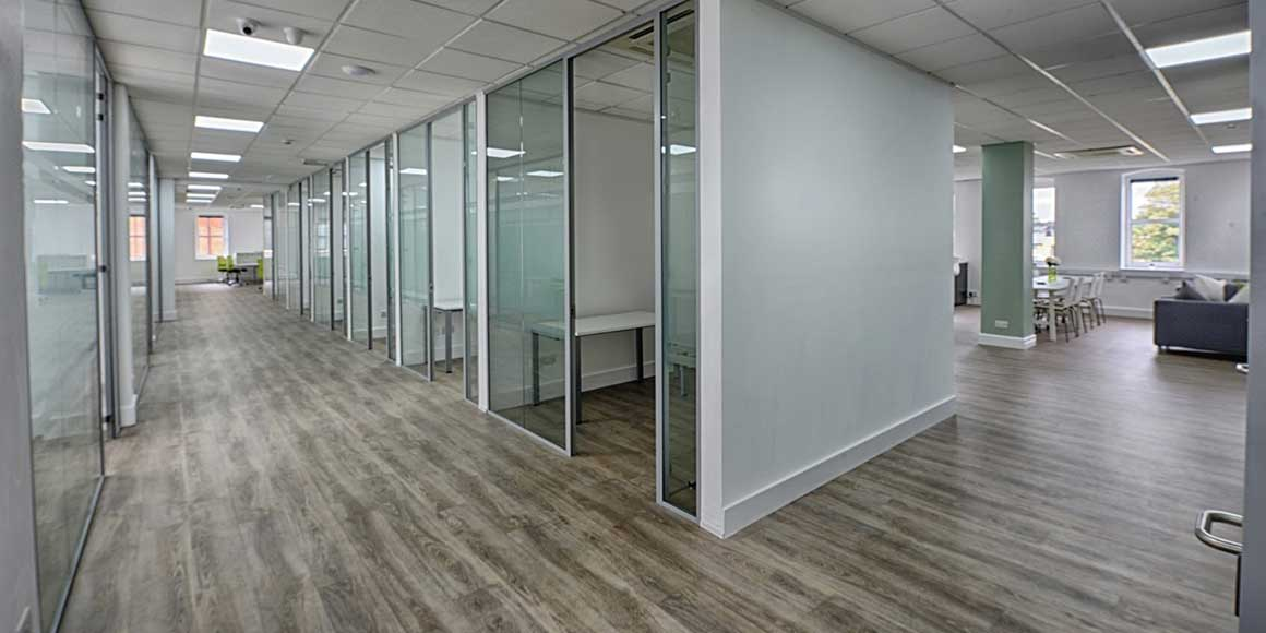 Seemingness design of Freedom Works Frameless Glass Partitioning