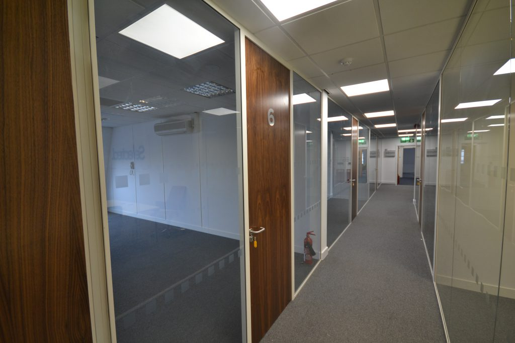 office room glass partition wall